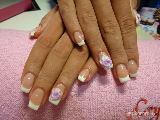 Kiss Mária - porcelán rózsával díszítve - 2011-07-13 10:12