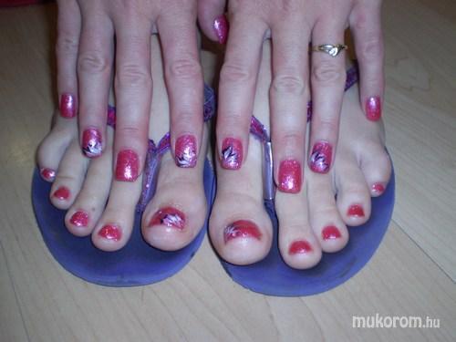 Molnár Szilvia - kéz és láb - 2011-07-20 10:03