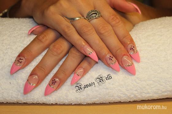 Lili Nails Nottingham - Beépített kütyüs - 2011-07-22 00:25