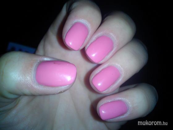 Balló Dóri - rózsaszín gél lakk 2hetes - 2011-07-25 09:49