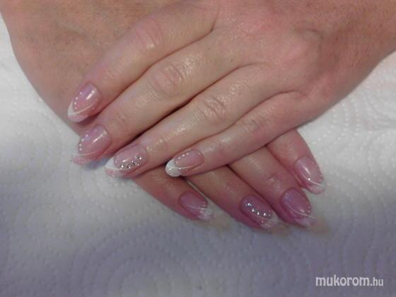 Heni nails - Edit - 2011-07-28 08:06