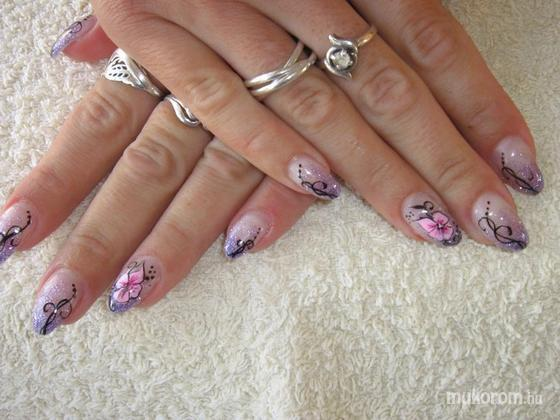 Burai Anita - gyönyörű virágos - 2011-08-05 12:17