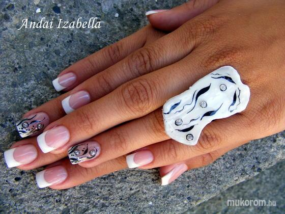 Andai Izabella - Szandra - 2011-08-14 22:24