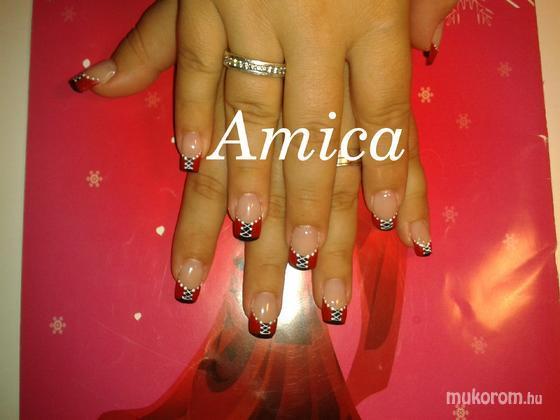 Németh Amália - Fűző - 2011-08-25 16:12