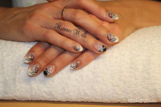 Lili Nails Nottingham - Beépített kütyüs - 2011-09-02 21:07