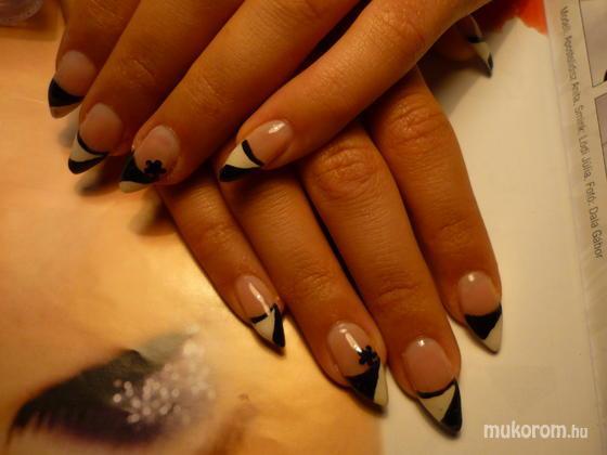 ancsakorom - fekete fehér - 2011-09-06 08:27