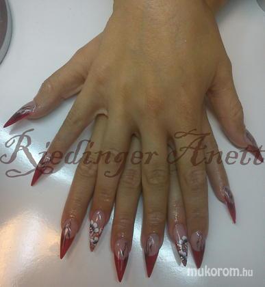 Riedinger Anett - Reni piros - 2011-09-10 10:24