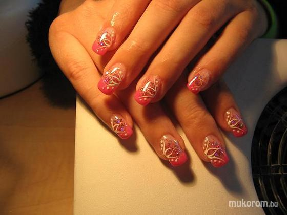 Fekete Éva - rózsaszín csillámos - 2011-09-11 21:20