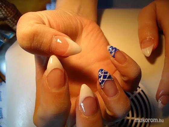 Boglári Andrea - fehér kékkel - 2011-09-29 10:19