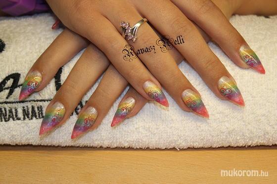 Lili Nails Nottingham - akrillal díszített - 2011-10-04 17:44