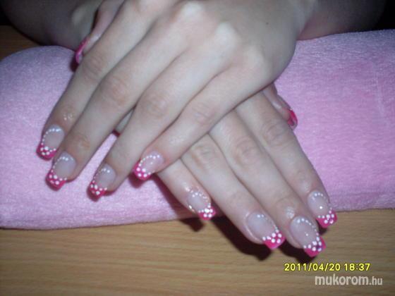 Czinkóci Andrea - Vidám rózsaszín - 2011-10-07 12:08