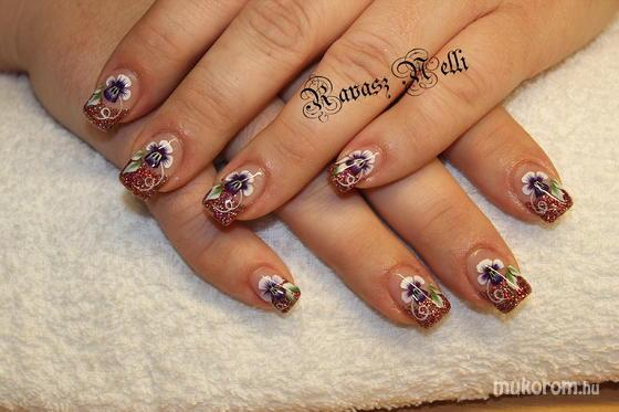 Lili Nails Nottingham - egymozdulat - 2011-10-15 12:04