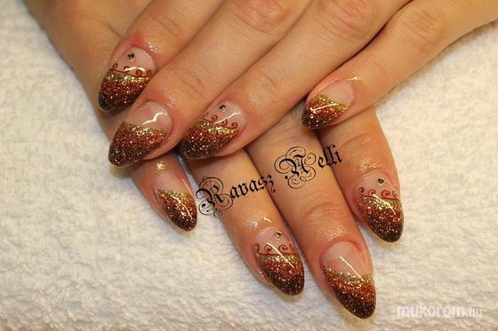 Lili Nails Nottingham - akril díszítés - 2011-10-15 12:12