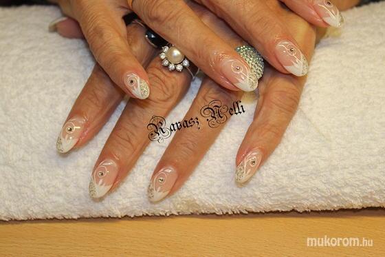 Lili Nails Nottingham - akril díszítés - 2011-10-15 13:02