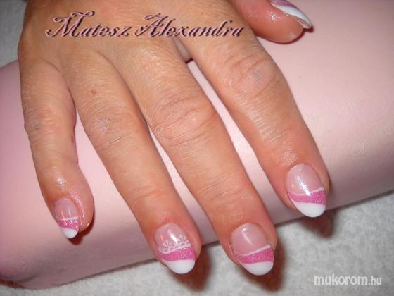 Matesz Alexandra - rózsaszín - 2011-10-18 19:01