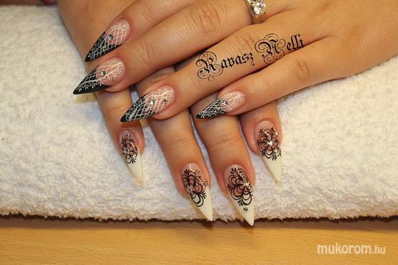 Lili Nails Nottingham - akril díszítés - 2011-10-24 22:27