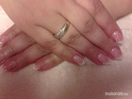 Heni nails - Ildikó - 2011-10-25 12:59