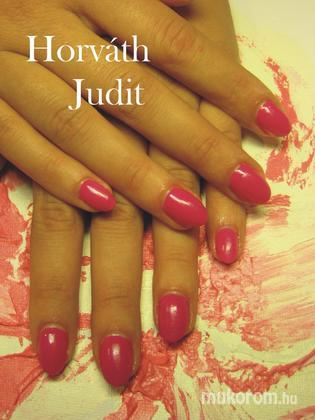 Horváth Judit - Pink körömlakk - 2011-10-28 20:05