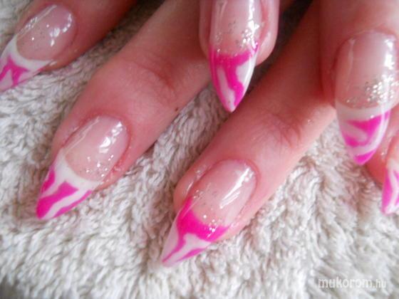 gyorgyicze csilla - pink - 2011-10-29 18:31