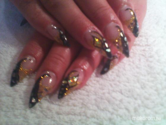 Koncsik Beáta - Arany fekete - 2011-11-04 11:20