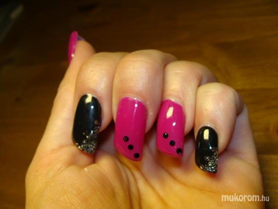 Kelemen Szilvia - pink és fekete - 2011-11-05 21:28