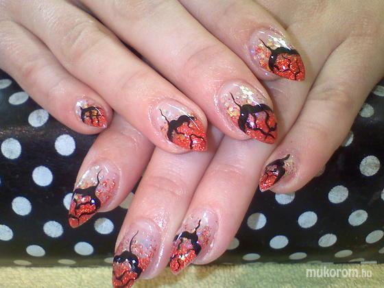 Balogh Adél - Piros fekete - 2011-11-13 13:48