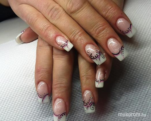 Eyssen Hédi - feket rózsaszín - 2011-11-22 17:26
