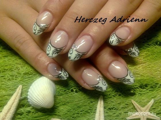 Herczeg Adrienn - 015 - 2011-11-24 20:15