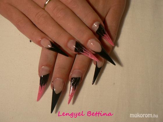 Mikené Bettina - fekete rózsaszín - 2011-12-03 07:47