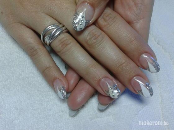 Böjte Tünde - Anita ezüst fehérrel - 2011-12-04 19:52