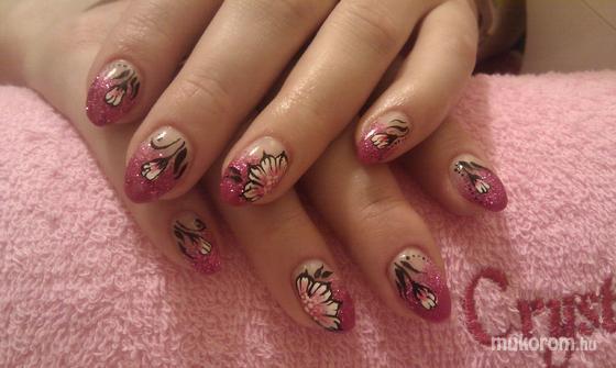 Nagy Nikolett - rózsaszín táncos köröm - 2011-12-10 14:54