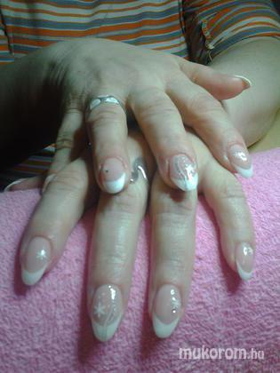 """Nail Beauty körömszalon """"crystal nails referencia szalon"""" - téli hangulatban - 2011-12-13 21:21"""