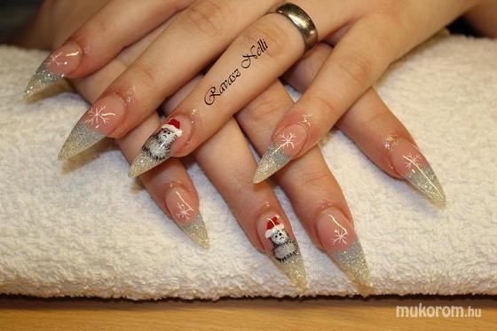 Lili Nails Nottingham - akrillal díszített - 2011-12-16 23:45