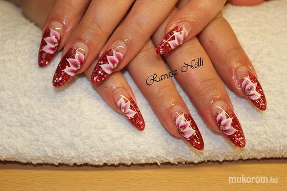 Lili Nails Nottingham - egymozdulat - 2011-12-16 23:48