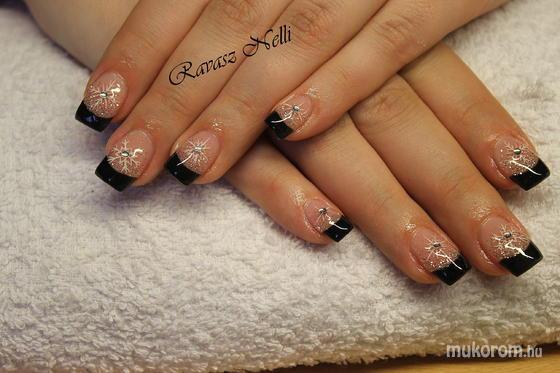 Lili Nails Nottingham - akrillal díszített - 2011-12-16 23:52