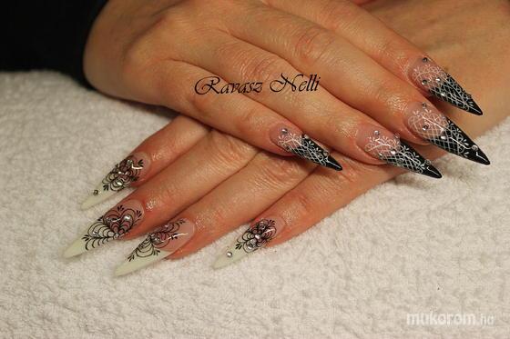 Lili Nails Nottingham - akrillal díszített - 2011-12-17 22:00