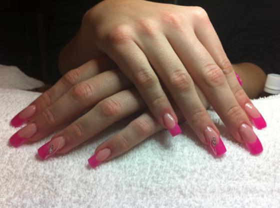 """Nail Beauty körömszalon """"crystal nails referencia szalon"""" - lányomnak - 2011-12-17 22:46"""