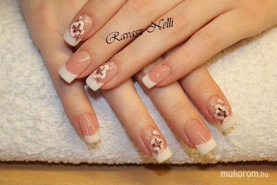 Lili Nails Nottingham - egymozdulat - 2011-12-24 19:11