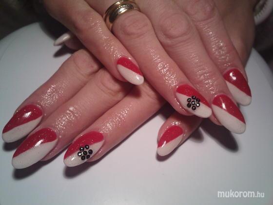 Angyali Szépségszalon Takács Rita - fehér piros - 2011-12-31 13:15