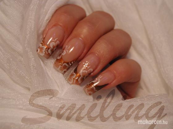 Teberi Szilvia (smiling) - szalon35 - 2011-12-31 20:23