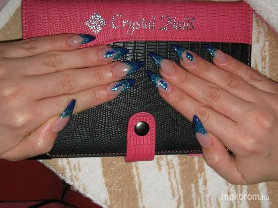 Jakab Alexandra - Blue nails - 2012-07-13 21:26