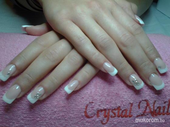 """Nail Beauty körömszalon """"crystal nails referencia szalon"""" - még egy szalagavatós - 2012-01-07 21:41"""