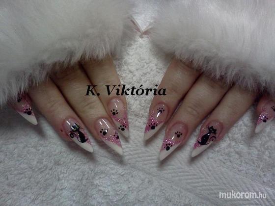 Absztrakt nails Krizsma Viktória - stiletto - 2012-01-16 17:26