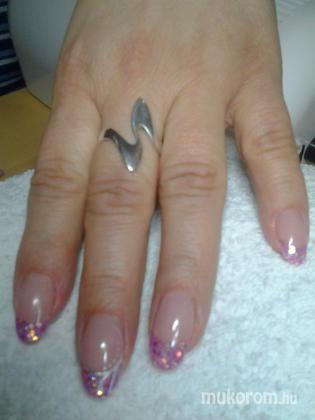 """Nail Beauty körömszalon """"crystal nails referencia szalon"""" - rózsaszínes - 2012-01-18 19:41"""