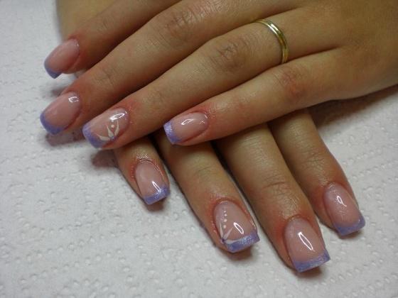 Rózsa Tünde - Trendi fagy metálos akril minimál díszítéssel - 2010-10-05 17:16