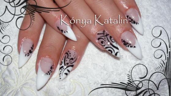 Kónya Katalin - Zselés 3D díszítés, beépített kütyüvel :) - 2010-06-20 18:56