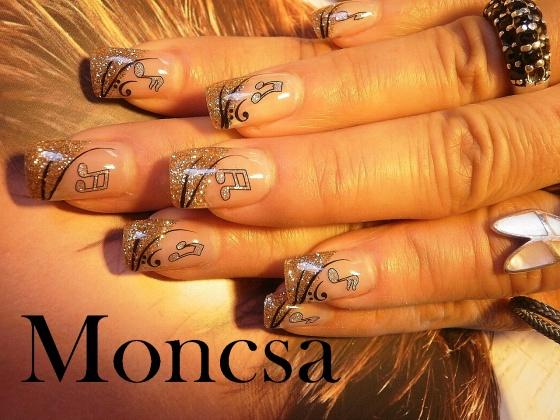 NOVÁKNÉ HARTMANN MÓNIKA - moncsa munkái - 2009-12-18 19:05