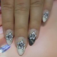 mukorom.hu - Akril virágokat festettem.