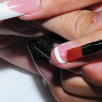 Best Nails - Coloque gel en la parte de la base, arriba.